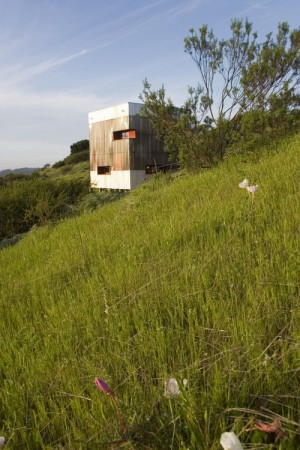 Guest House / AATA Associate Architects