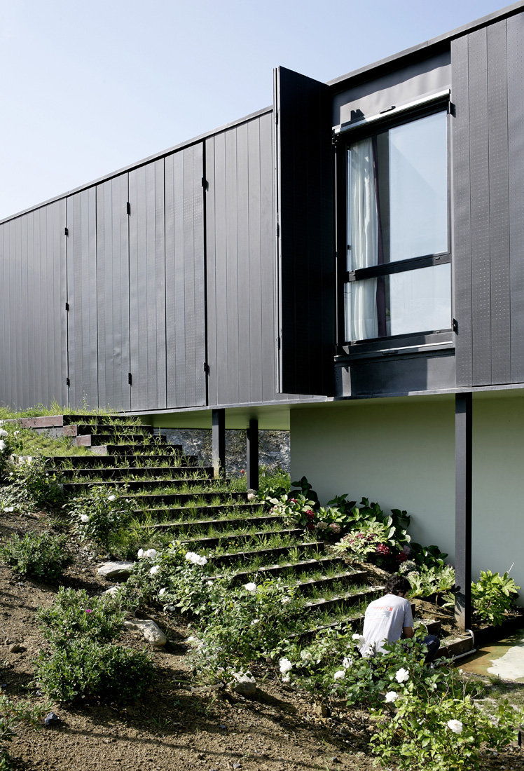 OS House / NOLASTER