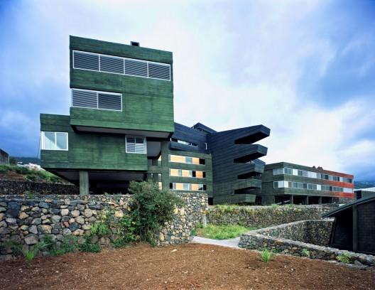 Rafael Arozarena High School / AMP Arquitectos, S.L.