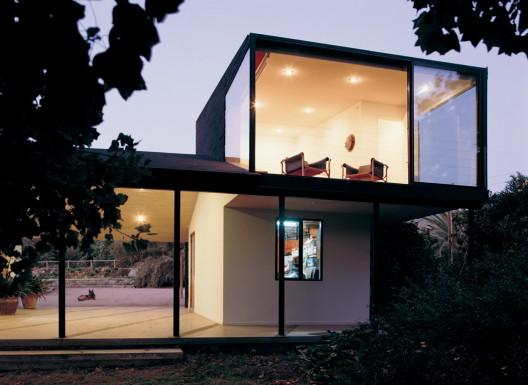 Benjamin Murua & Constanza Infante Countryside House