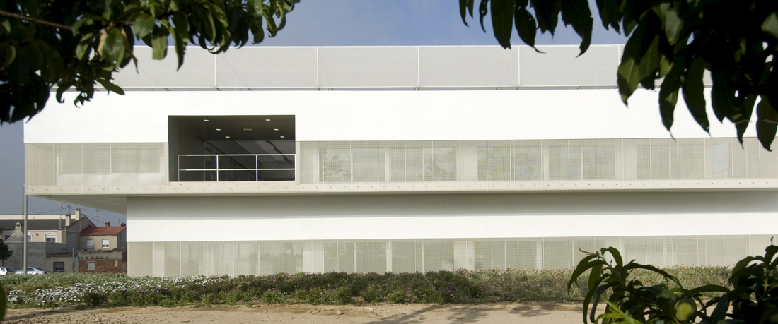 Research Facilities in UMH University / SUBARQUITECTURA + J.M. Torres Nadal