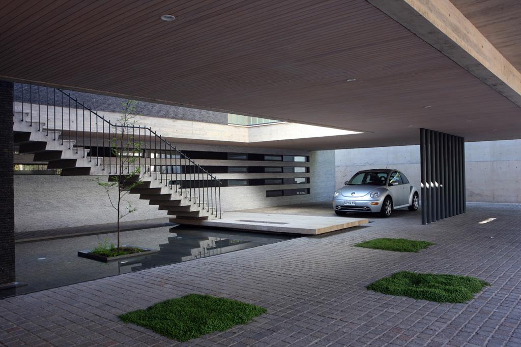 House 2 eduardo berlin razmilic archdaily - Bardage moderne ...