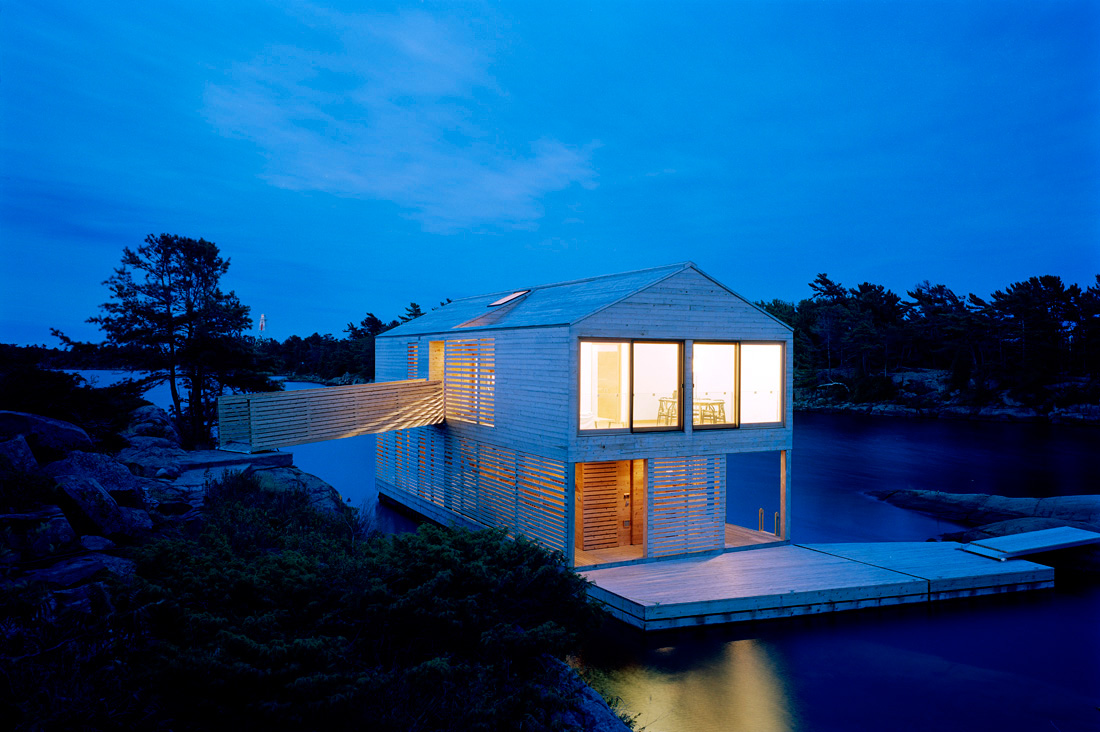 Floating House / MOS Architects