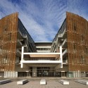 Barcelona Biomedical Research Park / Manel Brullet & Albert de Pineda