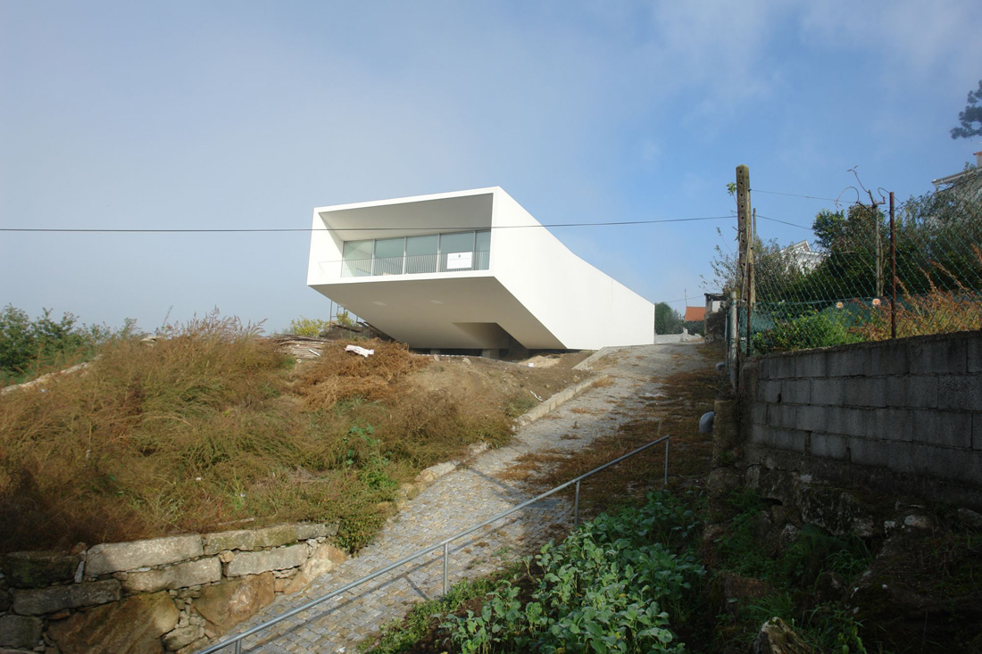 House 1 in Penafiel / Claudio Vilarinho