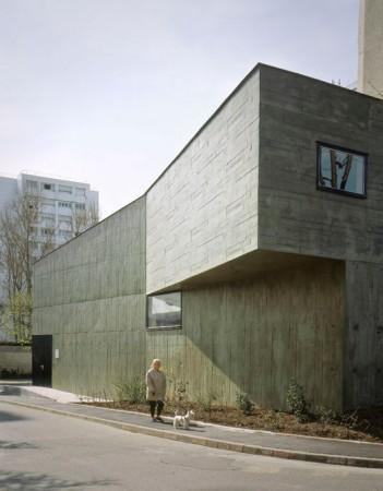 Children s toy library lan architecture archdaily - Garage bonneuil sur marne ...