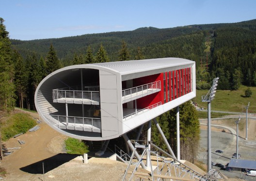 Ski Jump &amp; Judges Tower / m2r