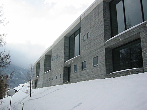 THE THERME VALS BUILDING