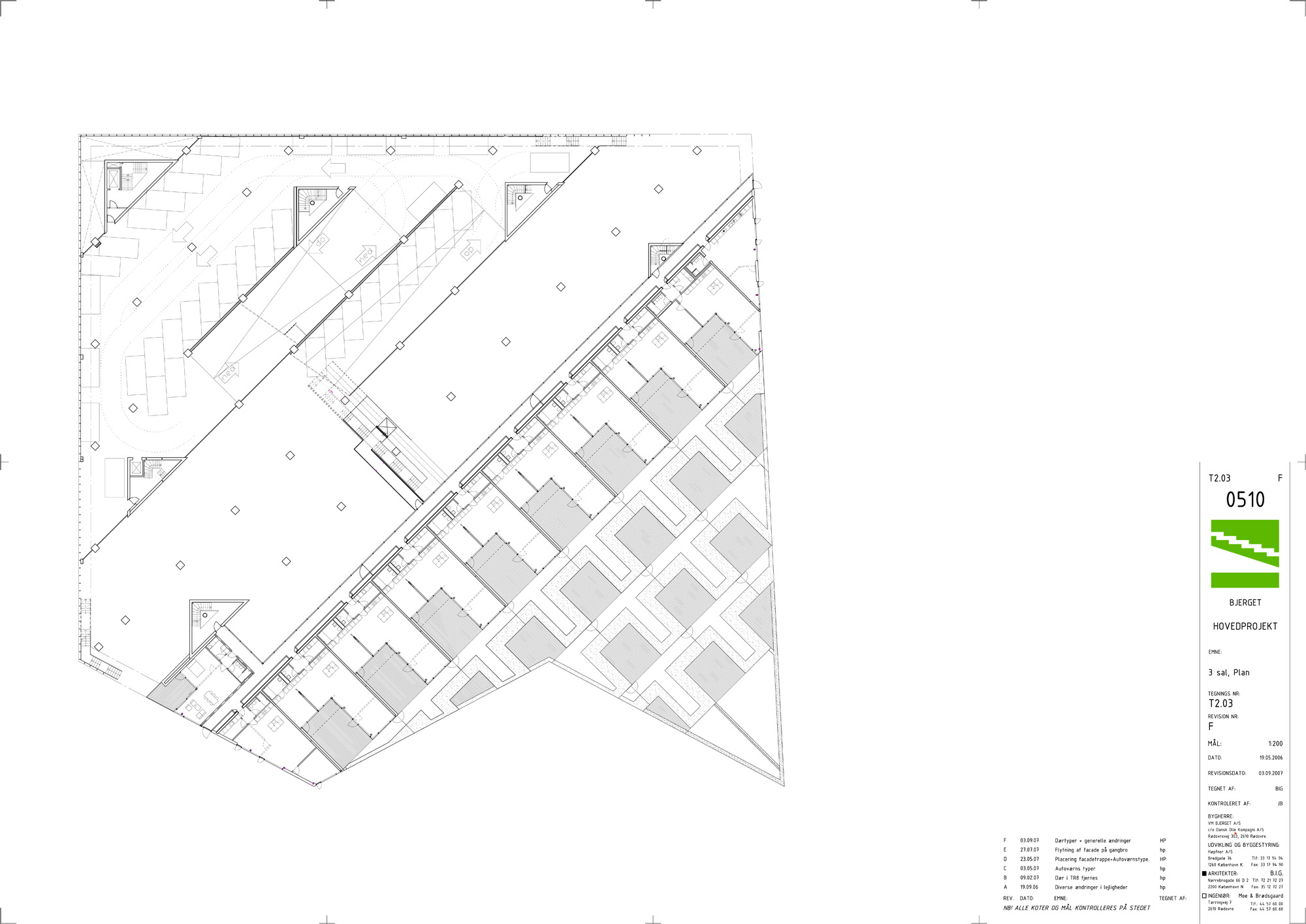 Architecture photography t2 03 3sal plan 1 15060 for Mountain architecture floor plans
