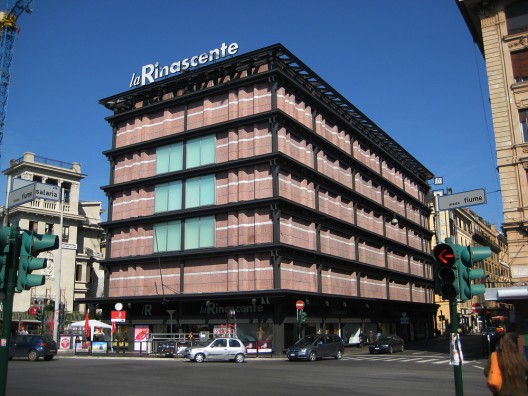 Refurbishing the 60&#8242;s masterpieces: La Rinascente and Corviale, Rome