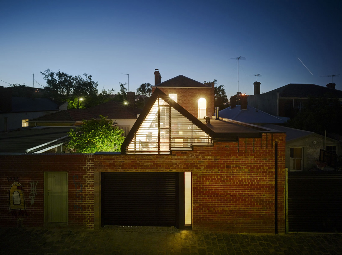 Vader house / Andrew Maynard Architects