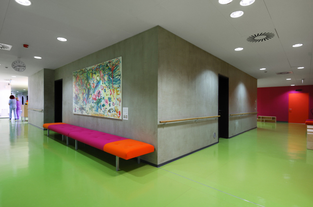 Children&#8217;s department and Work therapy / dans arhitekti