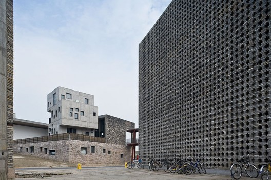 New Academy of Art in Hangzhou / Wang Shu, Amateur Architecture Studio (15) © Iwan Baan