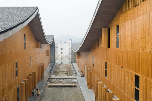 New Academy of Art in Hangzhou / Wang Shu, Amateur Architecture Studio (23)  Iwan Baan