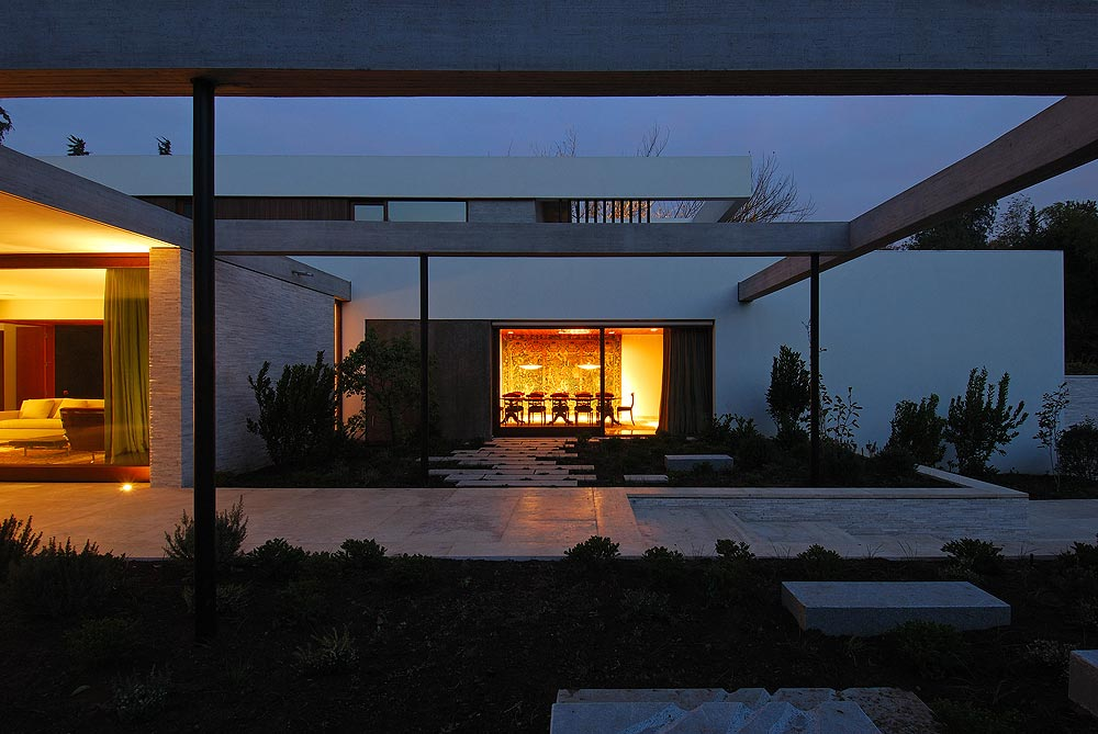 Fray Leon house / 57 STUDIO