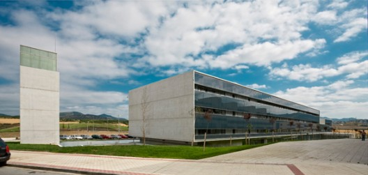 Tracasa Office Building / AH Asociados
