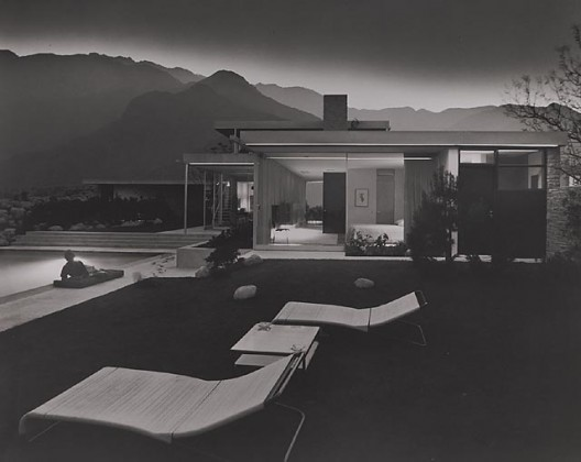 Kaufmann House, 1947 Palm Springs, CA / Richard Neutra, architect    Julius Schulman