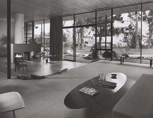 Case Study House #9 / Entenza House, 1950 Pacific Palisades, CA / Eames &amp; Saarinen, architects   Julius Schulman