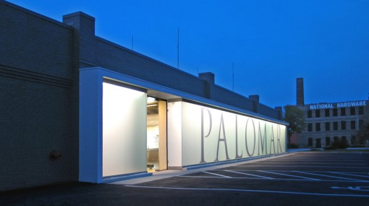 Palomar Welcome Center / Johnsen Schmaling Architects