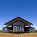 Emu Bay House / Max Pritchard Architect