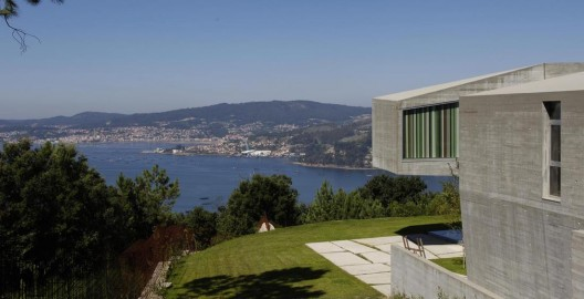 Redondela House / Irisarri + Piera