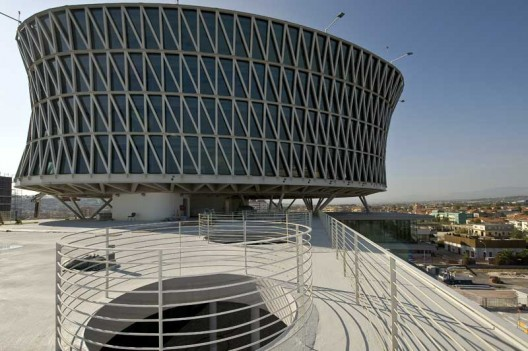 De Cecco Businness Center/ Massimiliano &amp; Doriana Fuksas