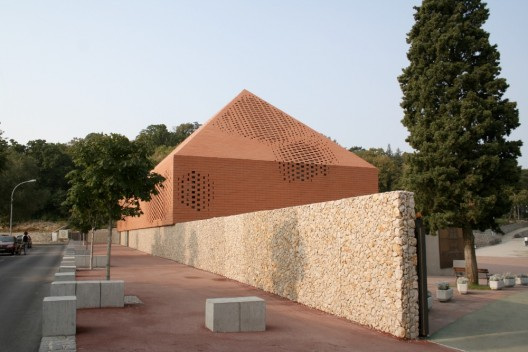 Pope John Paul II Chapel / Randic Turato