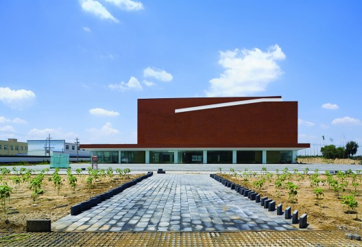 Songzhuang Art Museum / DnA