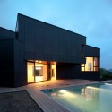 qhouse_exterior_01