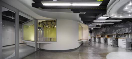 Graduate Aerospace Laboratories / John Friedman Alice Kimm Architects