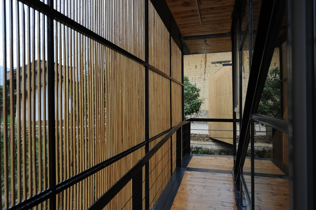 http://www.archdaily.com/wp-content/uploads/2010/01/1262610002-04.jpg