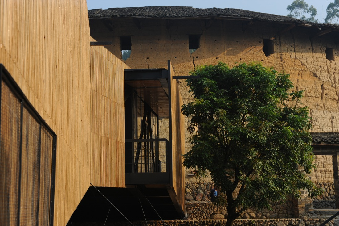 http://www.archdaily.com/wp-content/uploads/2010/01/1262610038-09.jpg