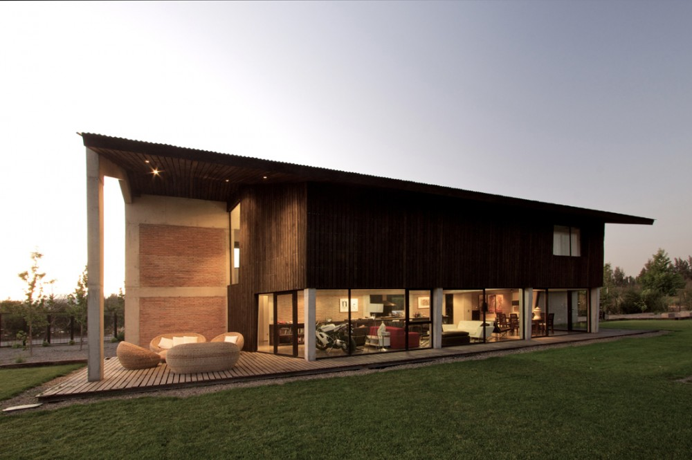 House in Colina / OPA
