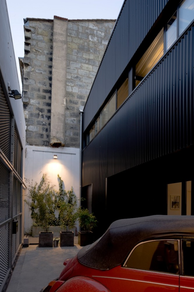 Big Black House / FABRE/deMARIEN architectes