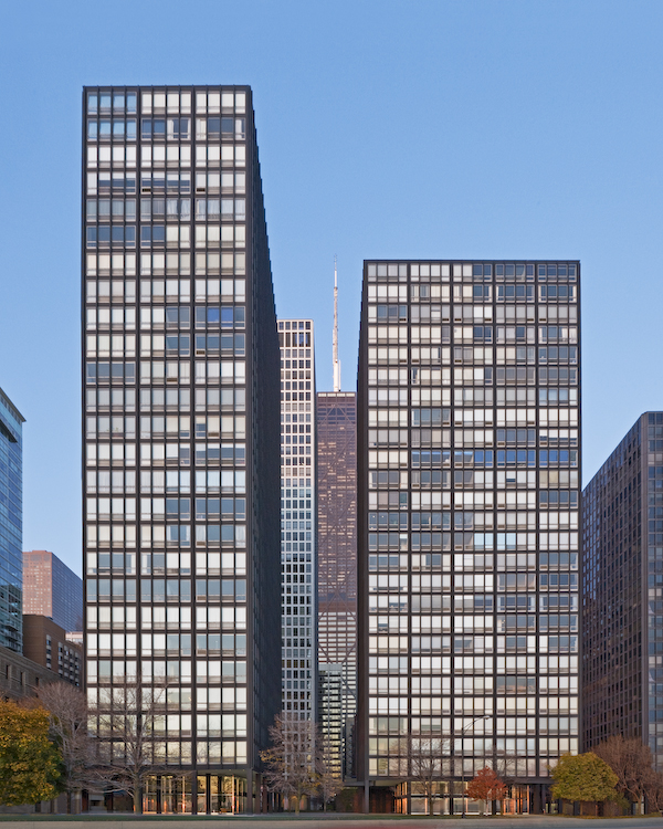 Mies van der Rohe's Lake Shore Drive Restoration / Krueck & Sexton Architects