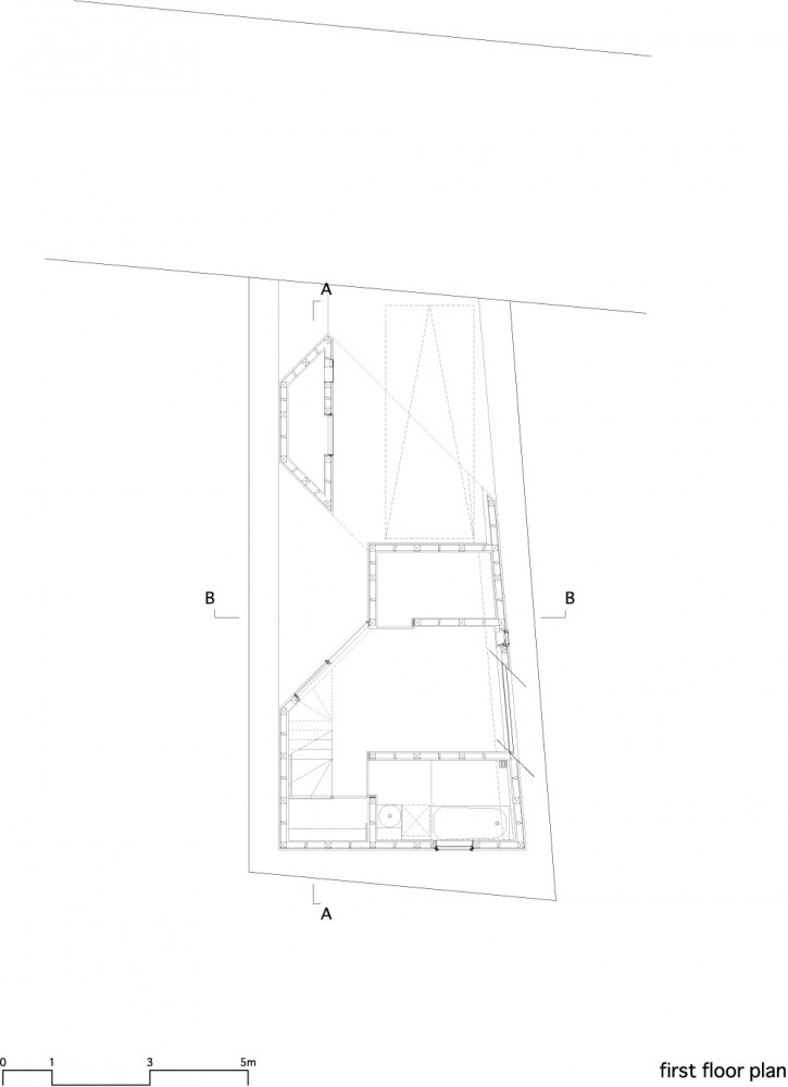 House in Matsubara - Ken'ichi Otani Architects first floor plan