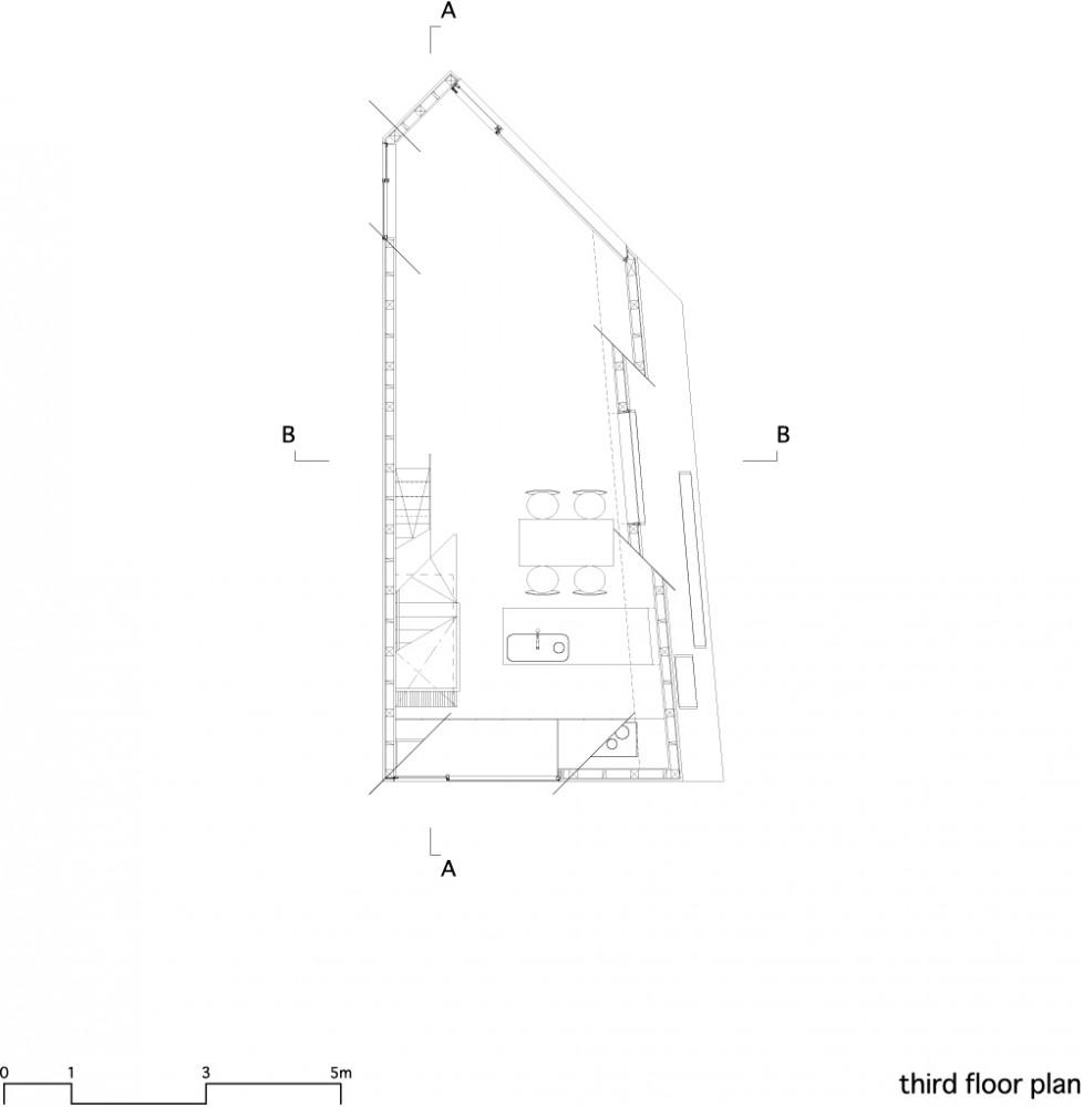 House in Matsubara - Ken'ichi Otani Architects third floor plan