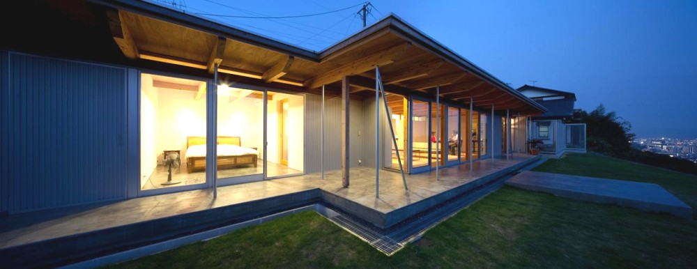 B House / Anderson Anderson Architecture + Nishiyama Architects
