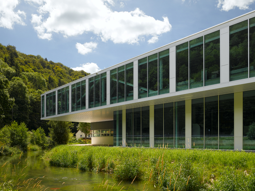 Office Building with Training Workshop / Barkow Leibinger Architekten