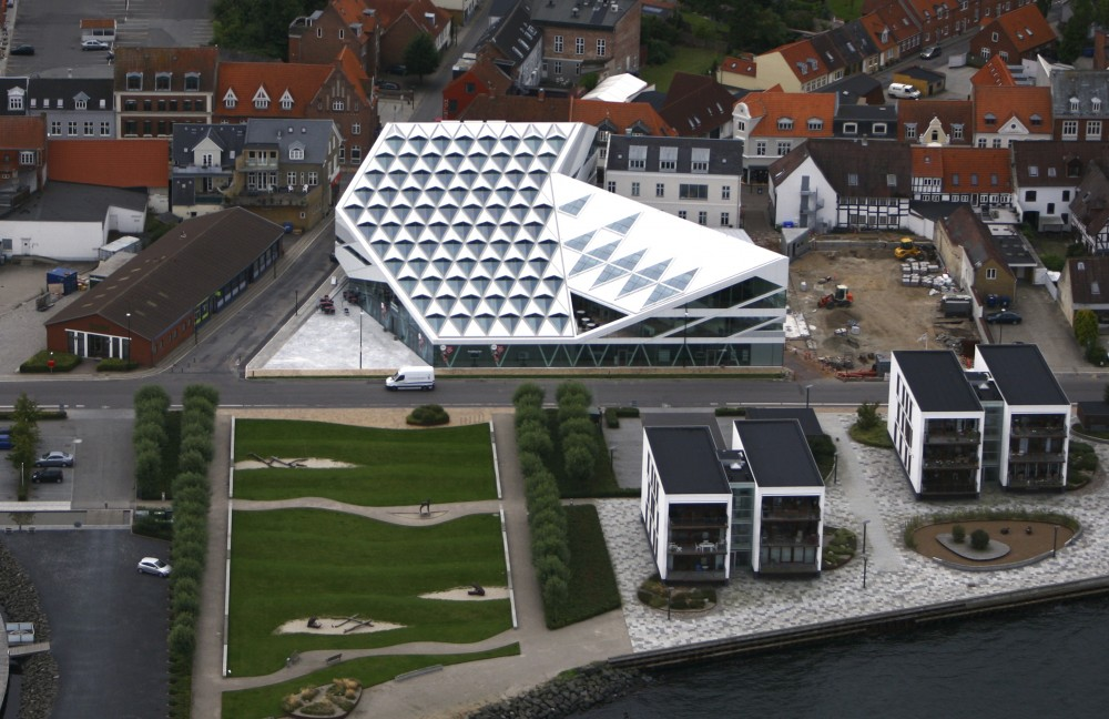 Middelfart Savings Bank / 3XN