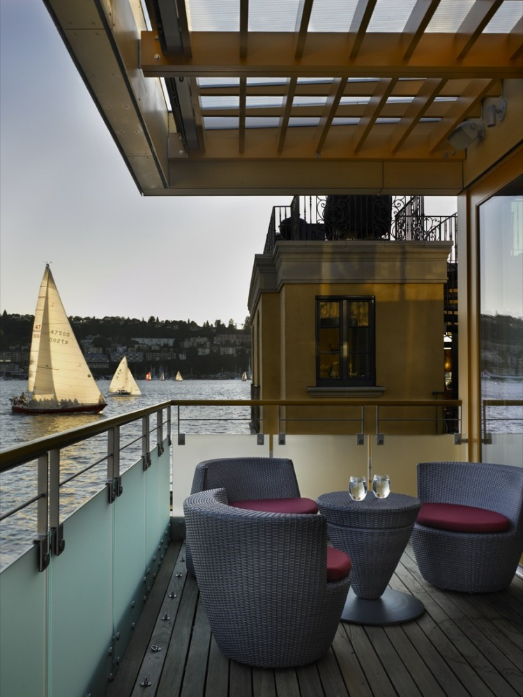 Lake Union Floating Home / Vandeventer + Carlander Architects