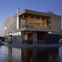 Lake Union Floating Home - Vandeventer + Carlander Architects © Ben Benschneider