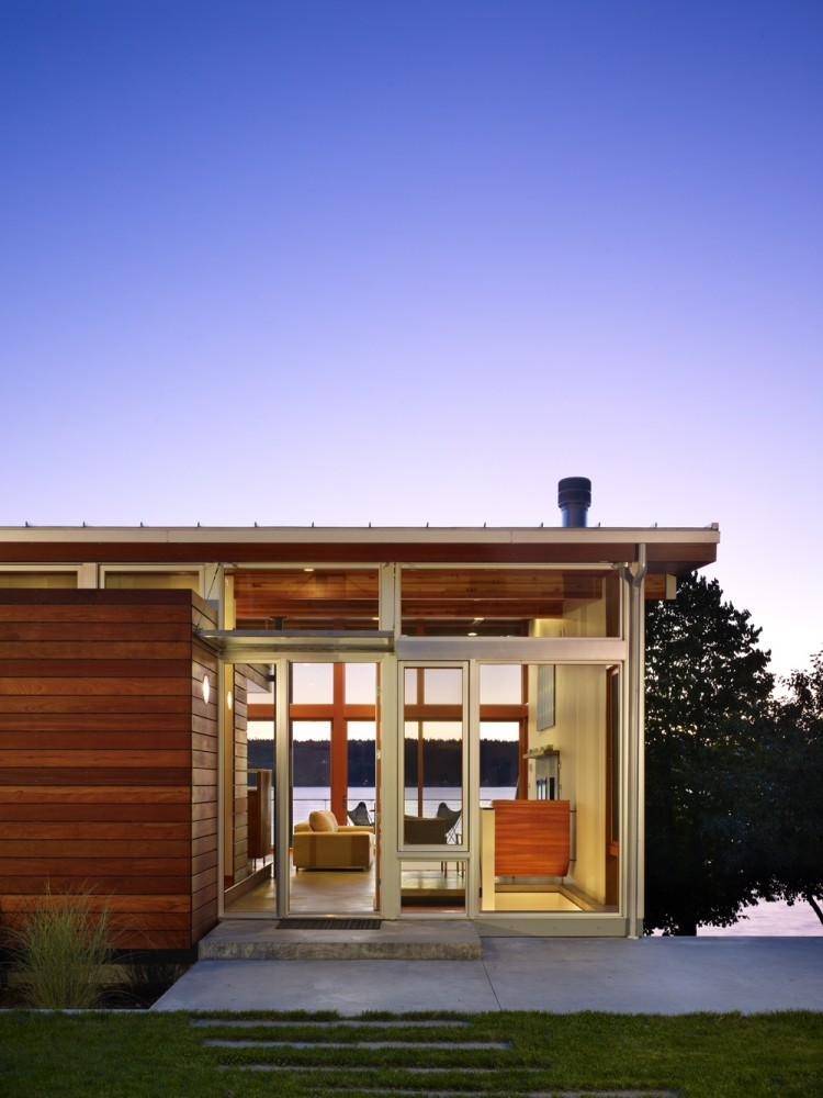 Vashon Cabin / Vandeventer + Carlander Architects
