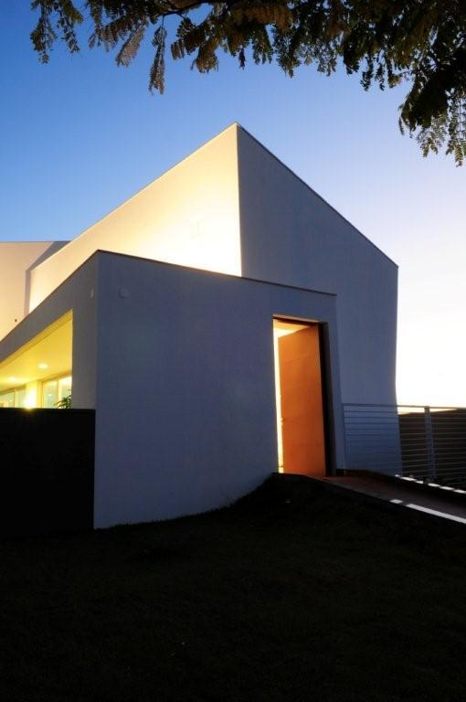 House - Casa GB - MMEB Architects © Rai Reis