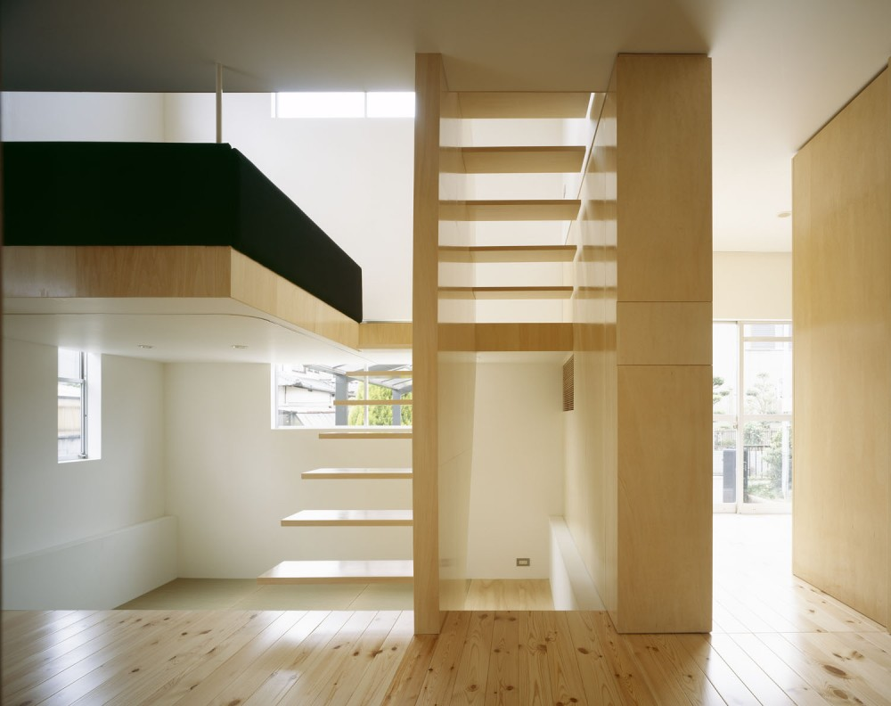 UE House / Geneto