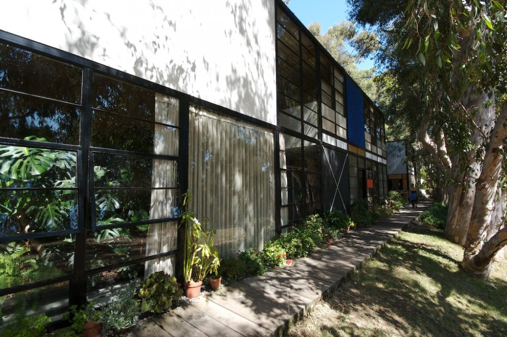 structure of the house   Eames House Exterior