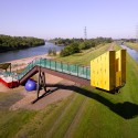 Between the Waters: The Emscher Community Garden / Marjetica Potrc and Ooze  Courtesy of Potrc and Ooze