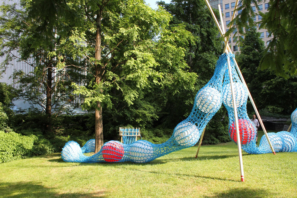 Giant Knitting Nancy / Superblue Design