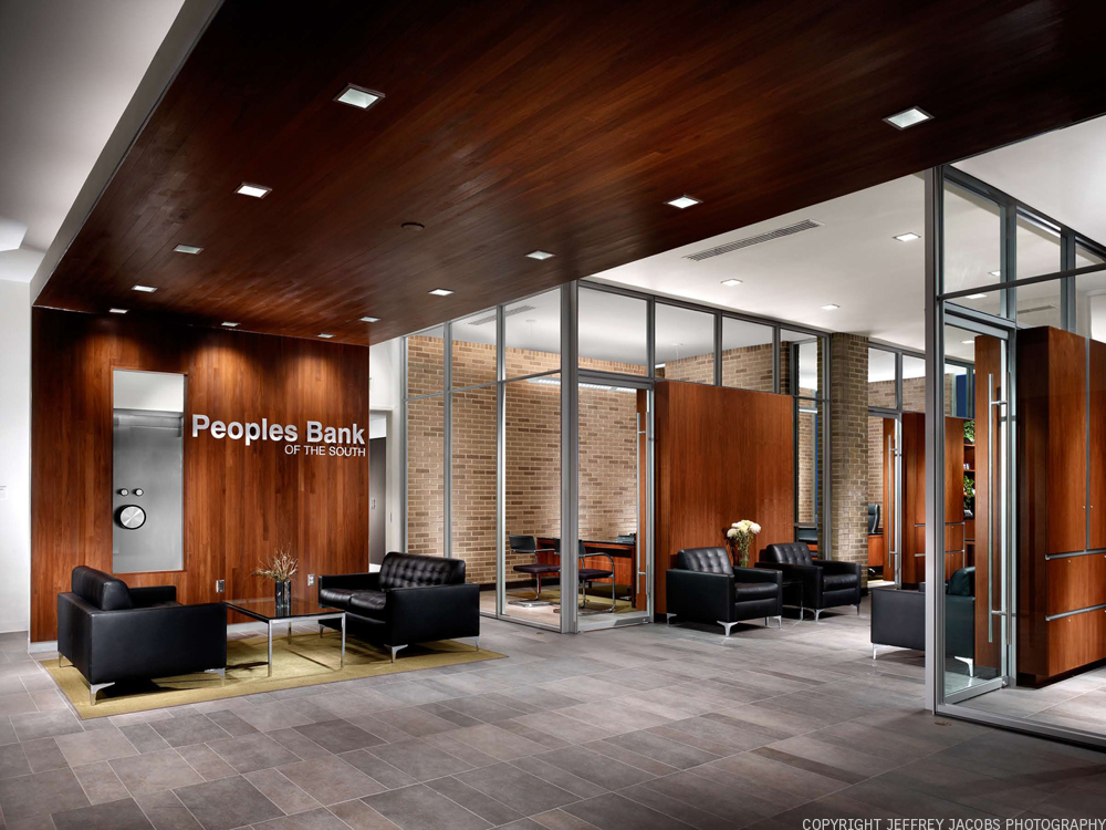 Peoples Bank of the South / Sanders Pace Architecture