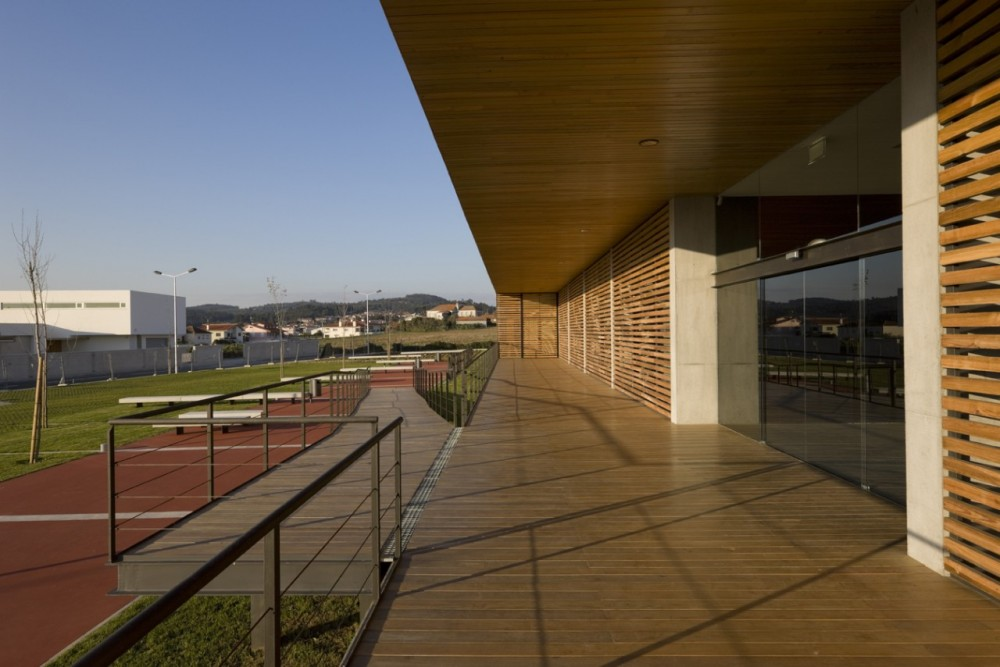 Riberão Swimming Pools / Pitagoras Arquitectos